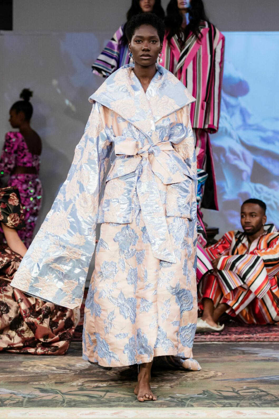 Oversized pastellmönstrad på Selam Fessahayes AW19–visning på Fashion Week Stockholm