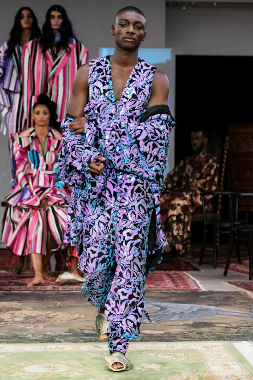 Mönster i mägnder på Selam Fessahayes AW19–visning på Fashion Week Stockholm
