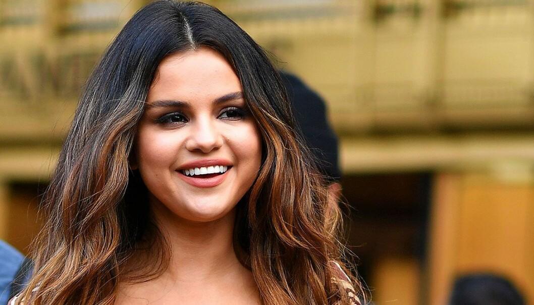 Selena Gomez antar viral utmaning.