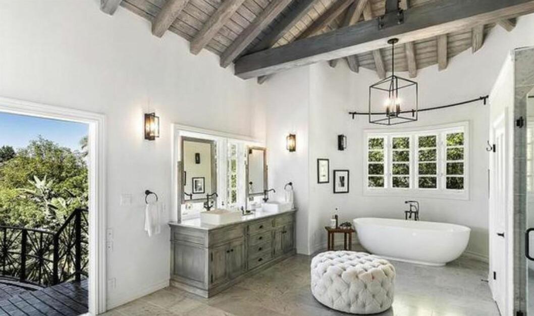 Ytterligare ett badrum i Selena Gomez nyköpta hus