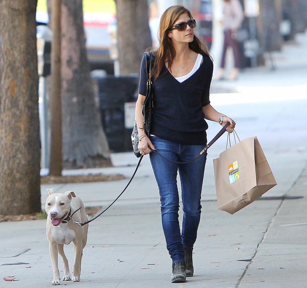 Selma Blair med hund