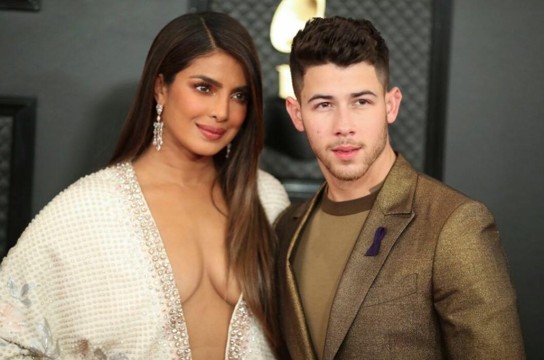 Nick Jonas & Priyanka Chopra på röda mattan