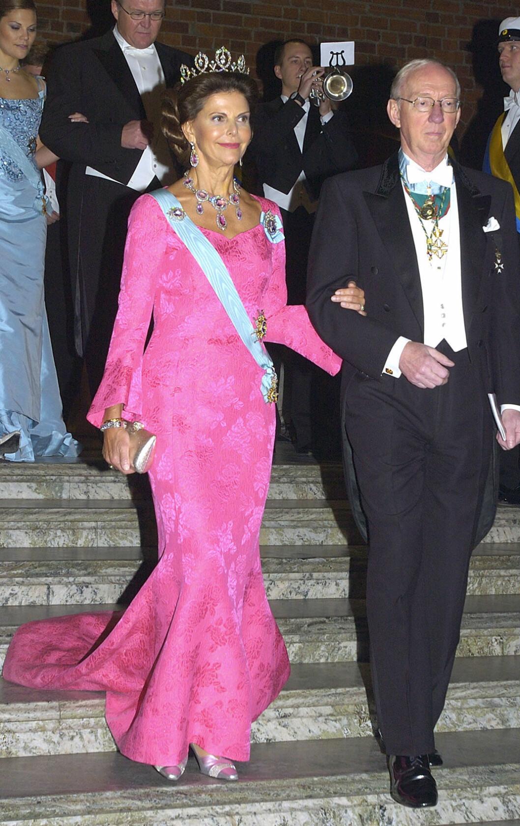2003, drottningen i klänning av Jacques Zehnder och Ann Schierenbeck