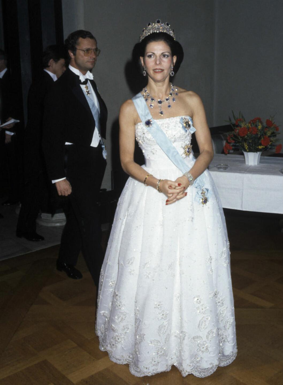 Drottning Silvias Nobelklänningen från 1984 var också designad av Jörgen Bender