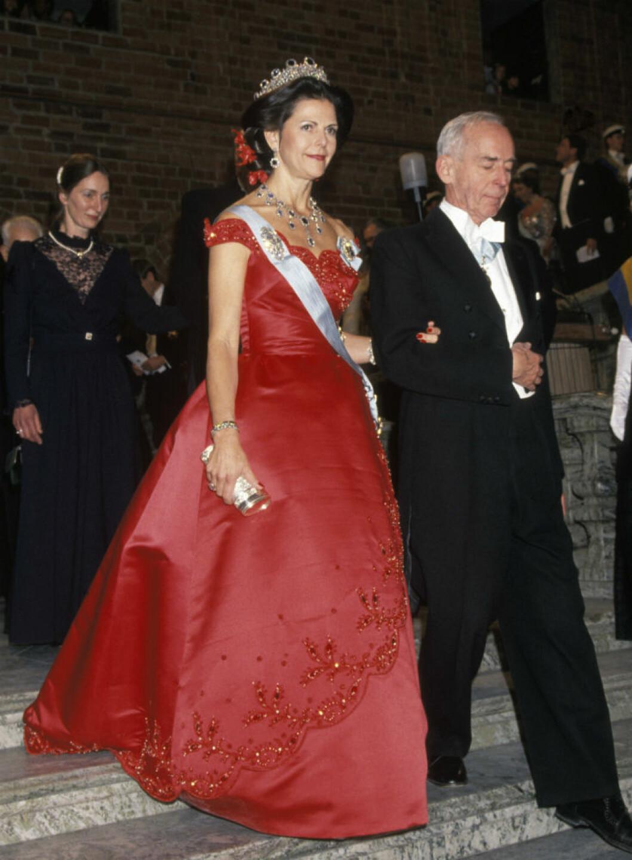 1991 Klänning av Jörgen Bender som skapades för danska drottning Margrethes 50-årsdag och återanvändes på nobelfesten