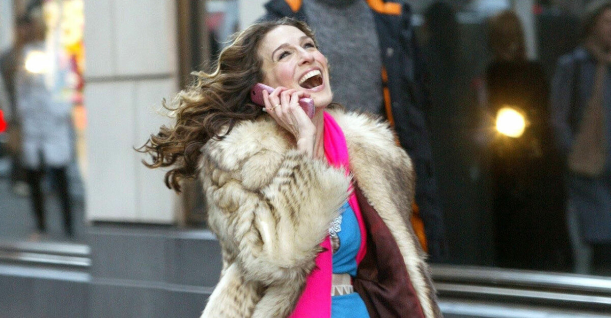 Carrie i SATC skrattar