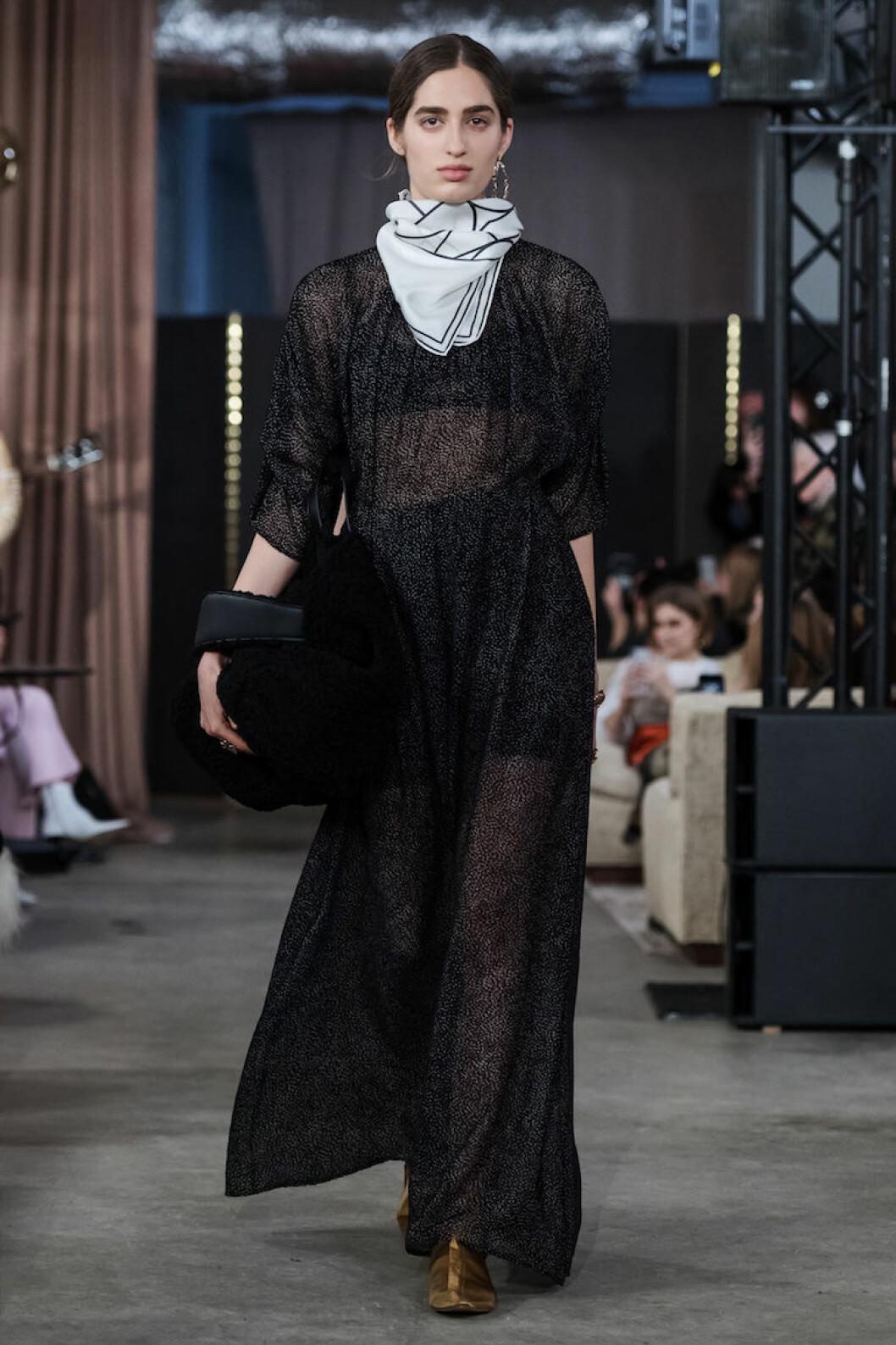 Sofistikerad sjal med mönster från House of Dagmar AW18