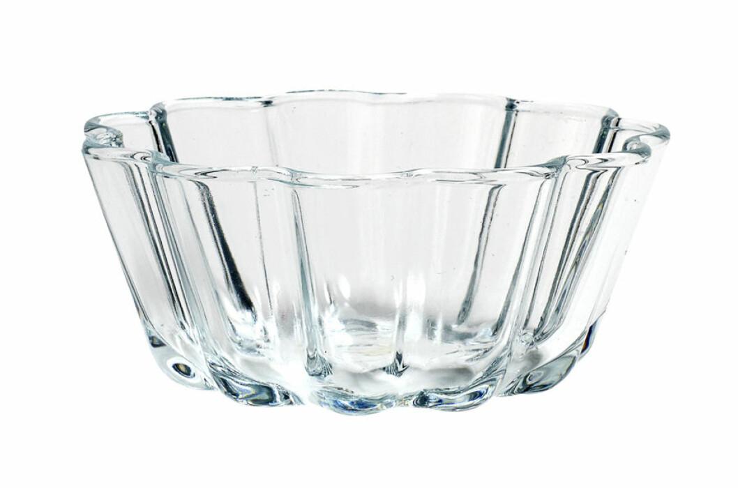 Vågig glasskål