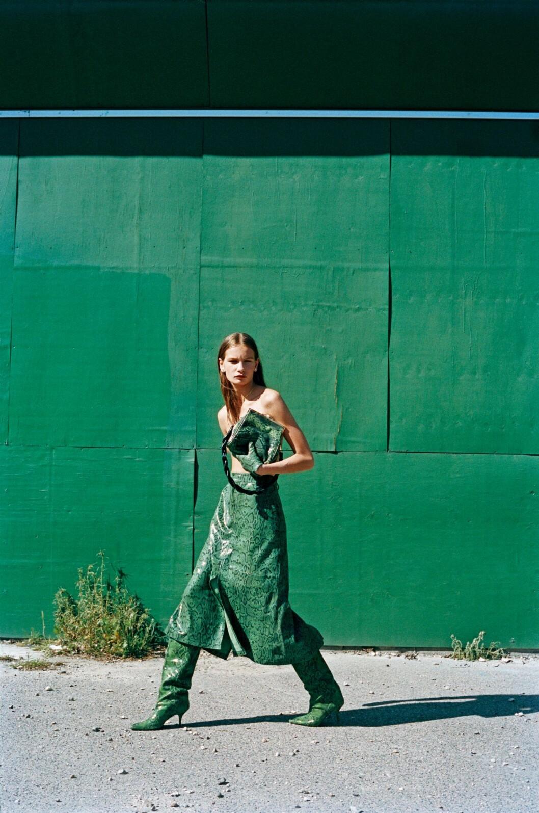Så stylar du den skandinaviska trenden 2020, grön klänning från Gestuz