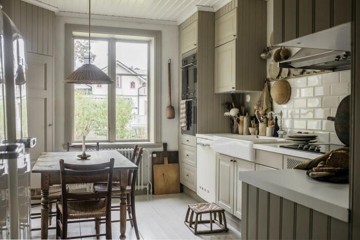 skandinaviskt klassiskt kök