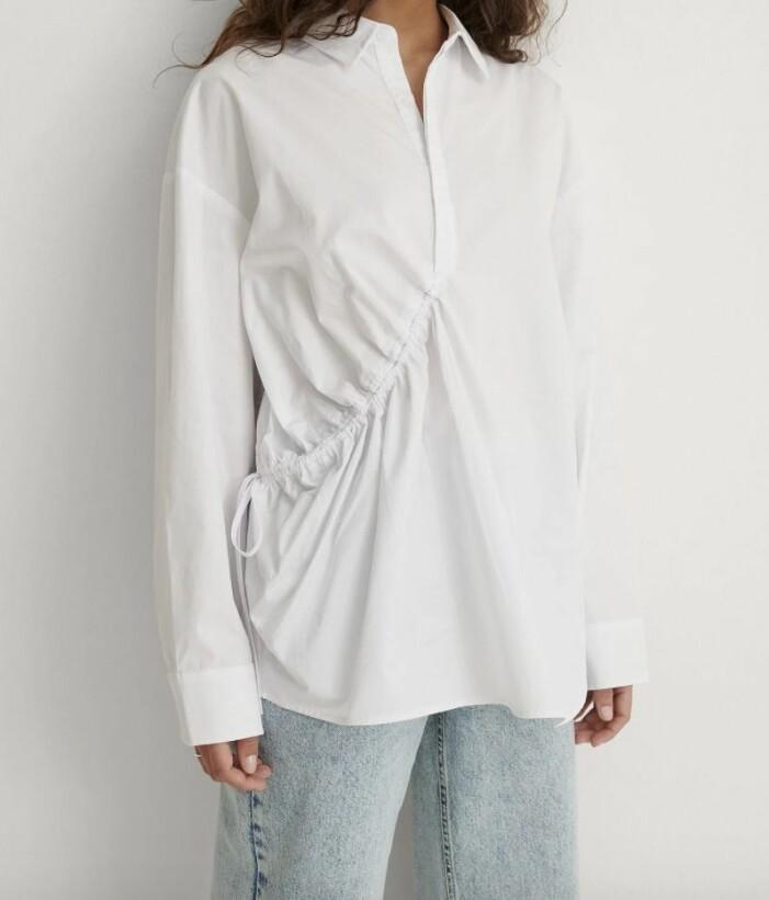 skjorta med dragsko