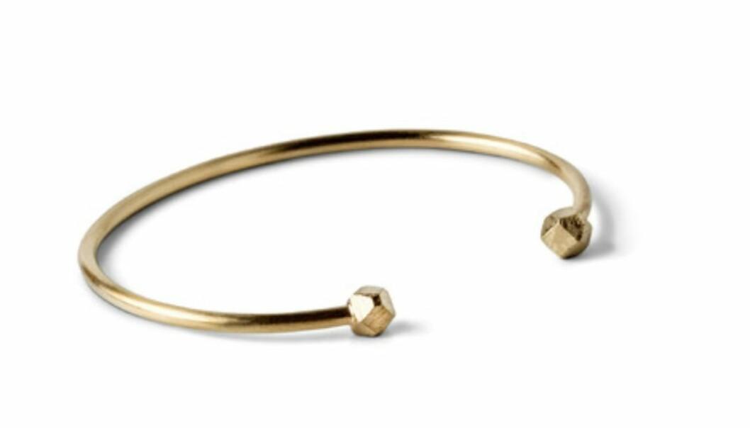 Enkelt armband i guld