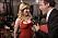 Tv-reportern Isaac Mizrahi tar Scarlett Johanssons bröst