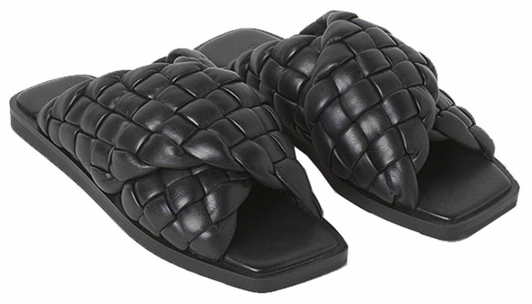 Svarta sandaler med fyrkantig tå