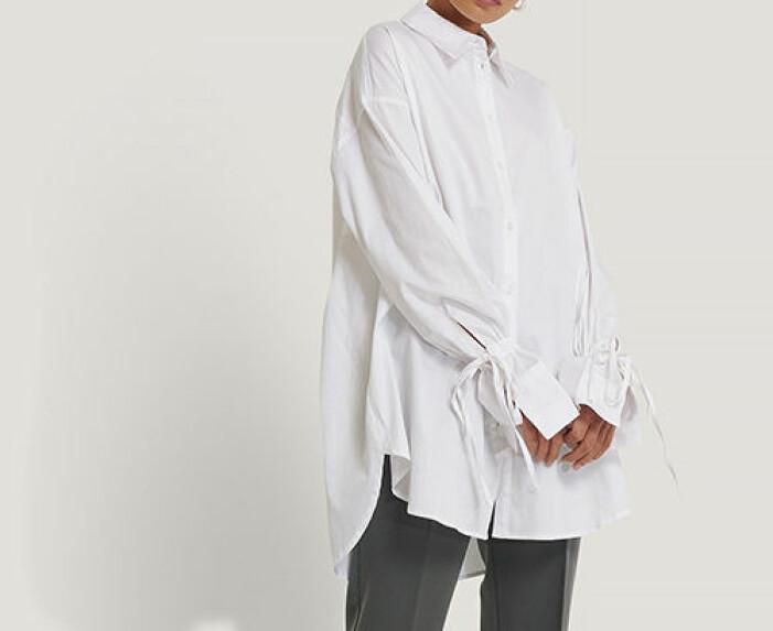 vit lång skjorta