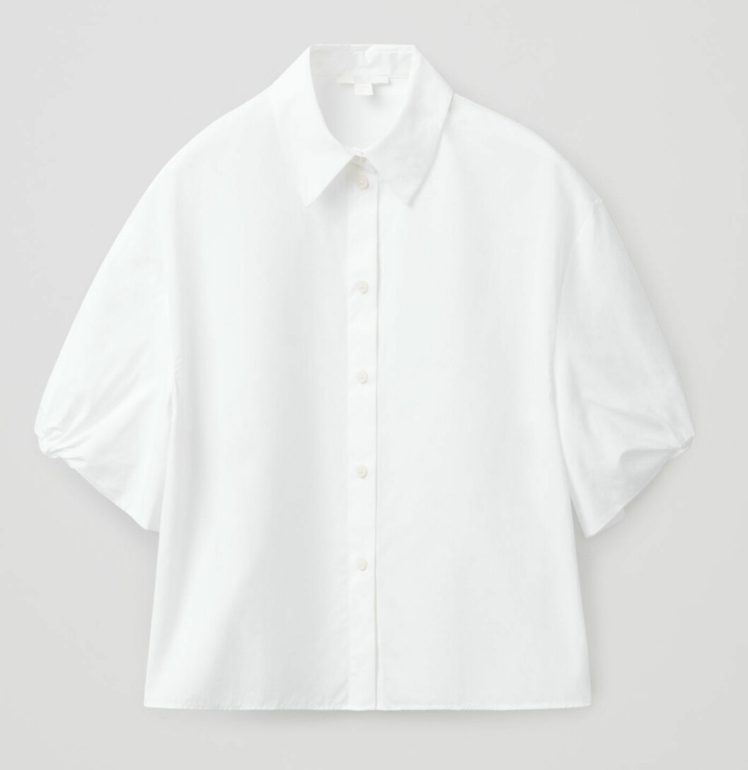 https://www.cosstores.com/en_sek/women/womenswear/shirts/product.puff-sleeve-boxy-cotton-shirt-white.0888170001.html