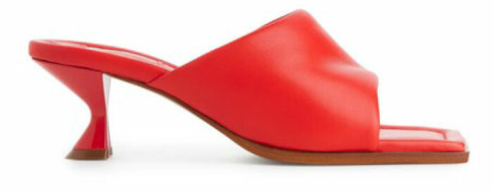 röda sandaletter med klack