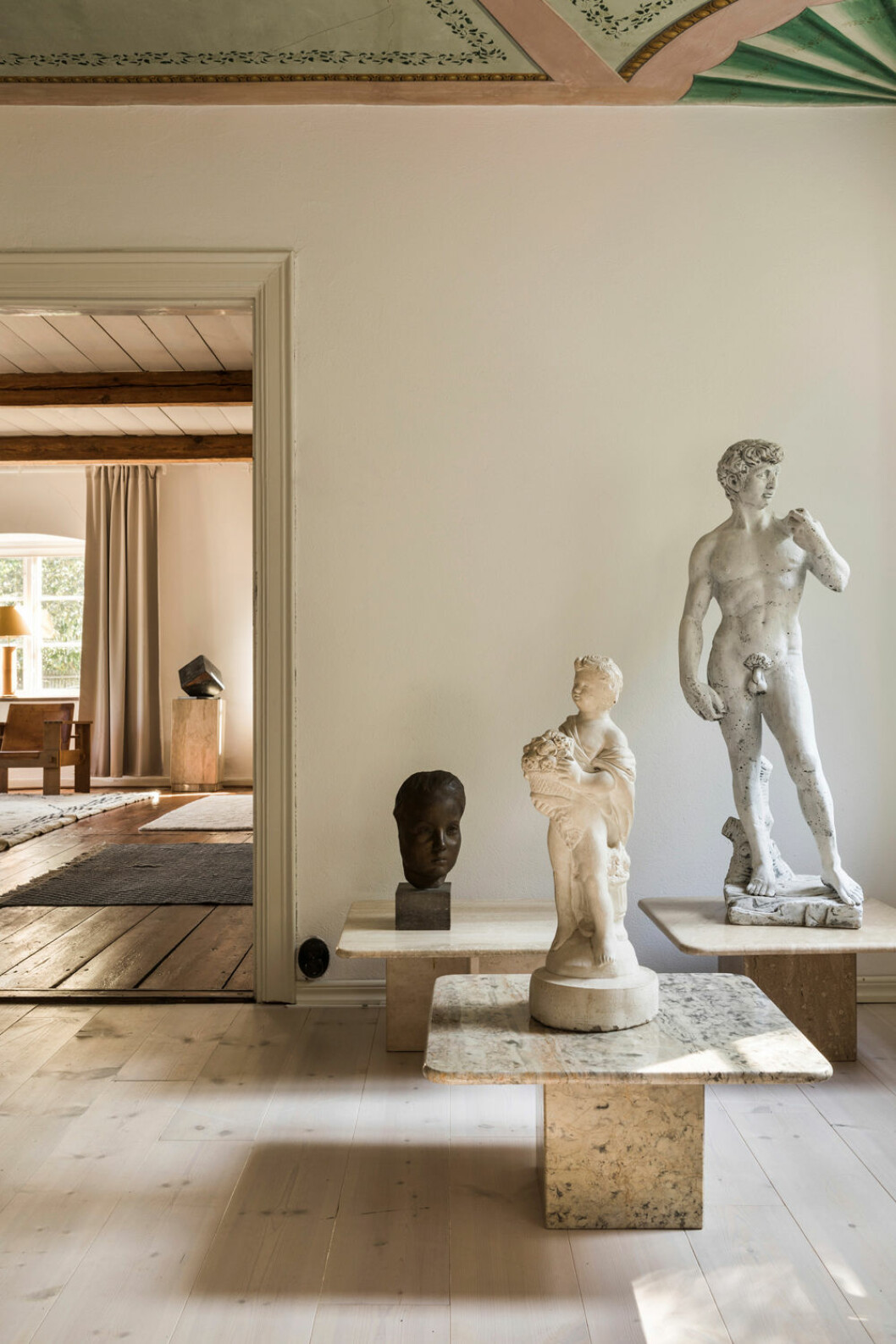 Hemma hos Fredrika Artndeco skulpturer
