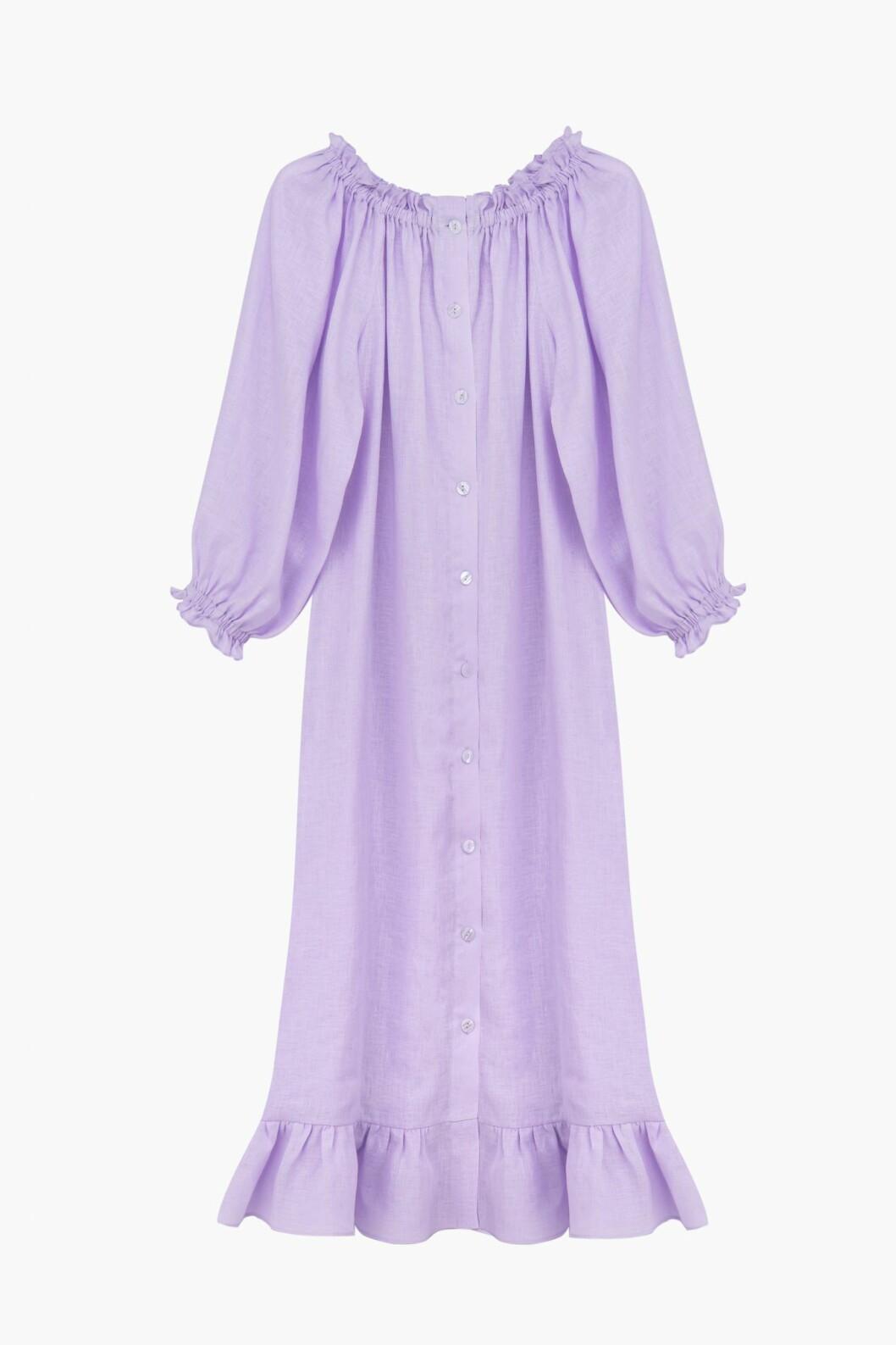 Lila klänning i 100% linne från Sleeper.