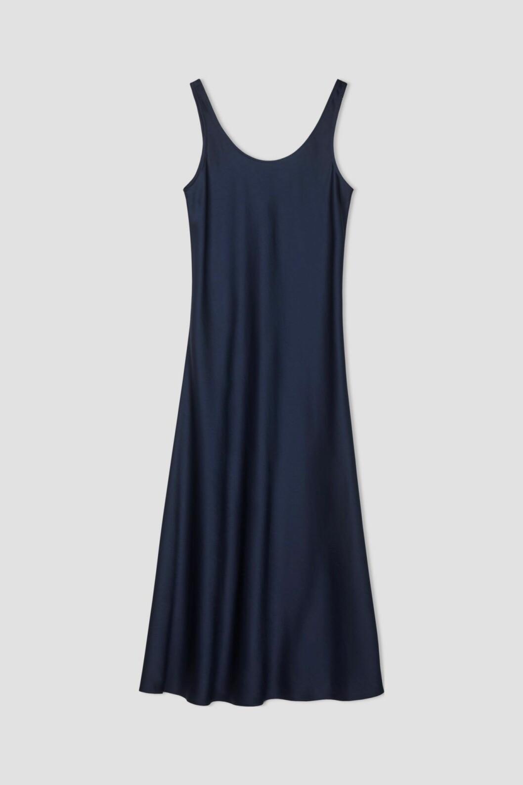 Marinblå slipklänning från Filippa K.