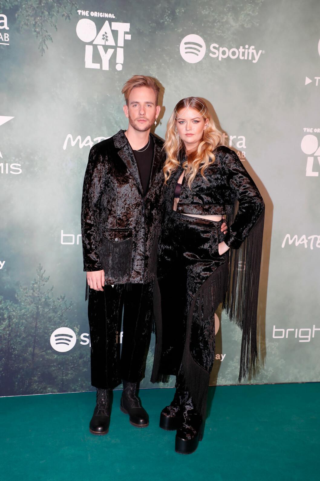 Smith & Thell – Victor Thell och Maria Jane Smith på röda mattan på Grammisgalan 2020