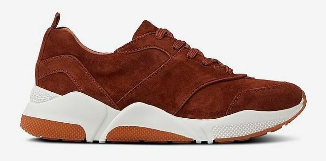 Rostiga sneakers i skinn/mocka från Billi Bi.