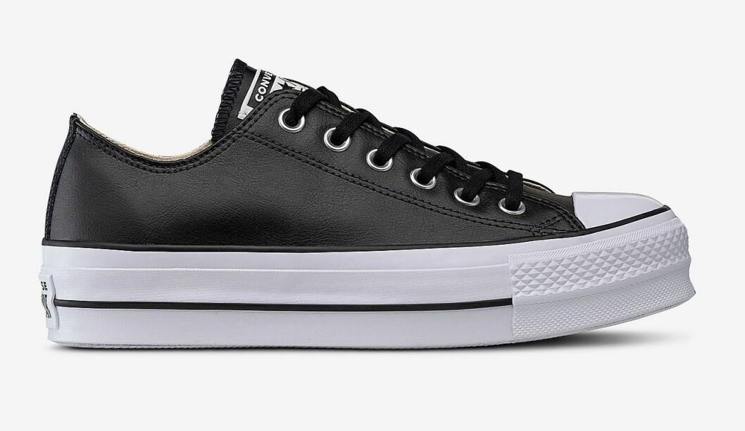Låga Converse i svart skinn