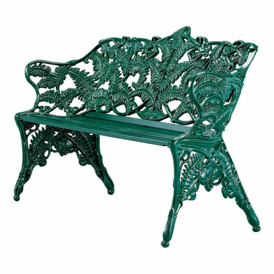 En lyxig klassiker känd som Ormbunks-soffan från Byarums bruk är en investering som håller år efter år.