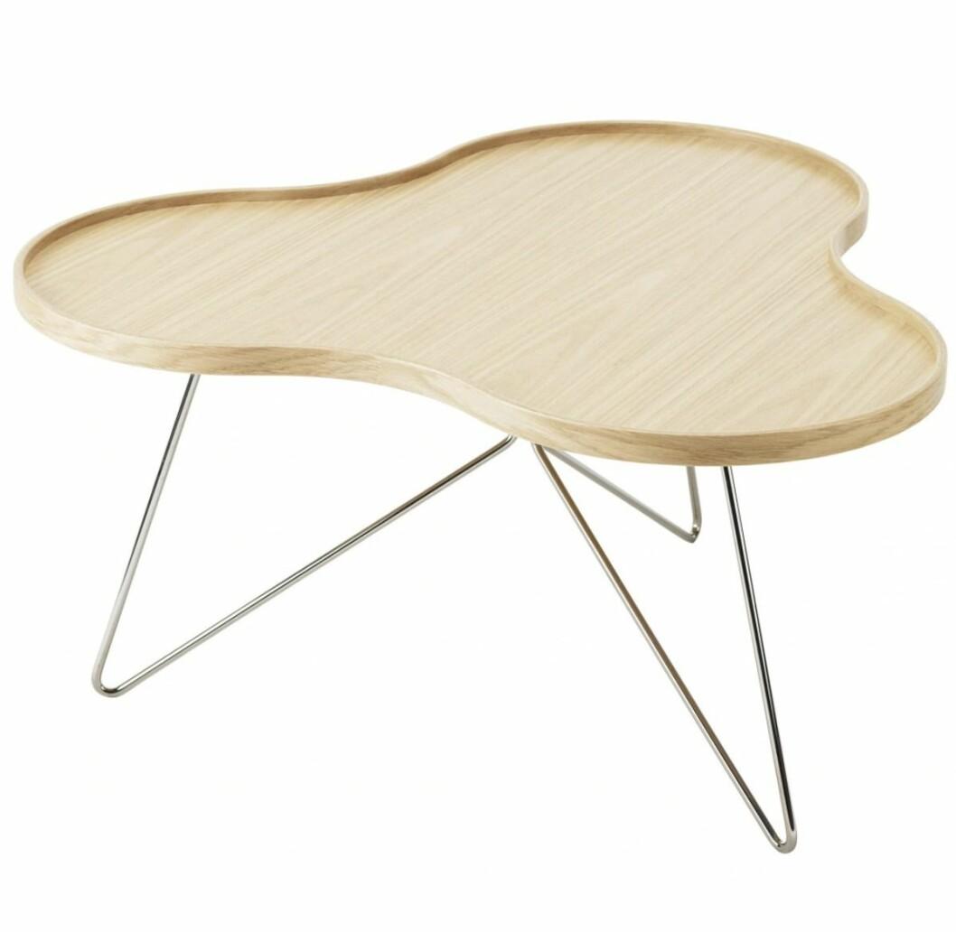 Soffbordet Flower med organisk form i trä från Swedese.