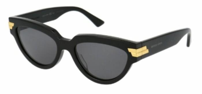 solglasögon från Bottega Veneta.