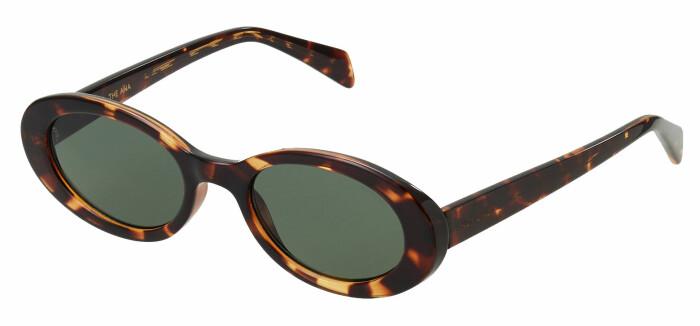 Solglasögon med runda former från Le Specs.