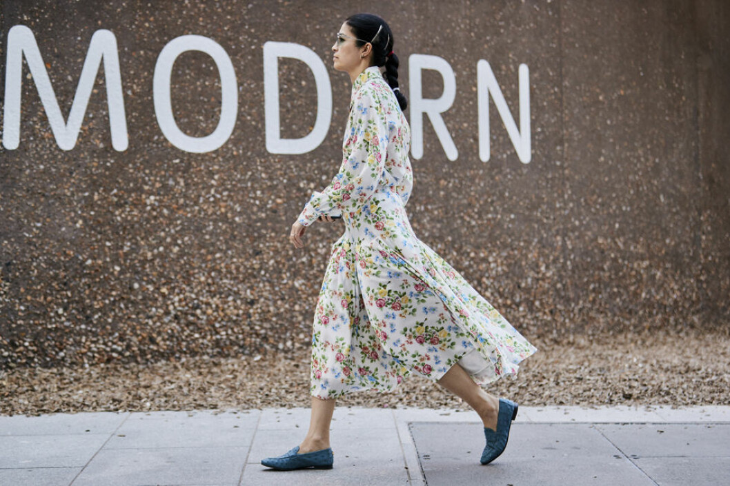 blommig klänning ss-19 London streetstyle