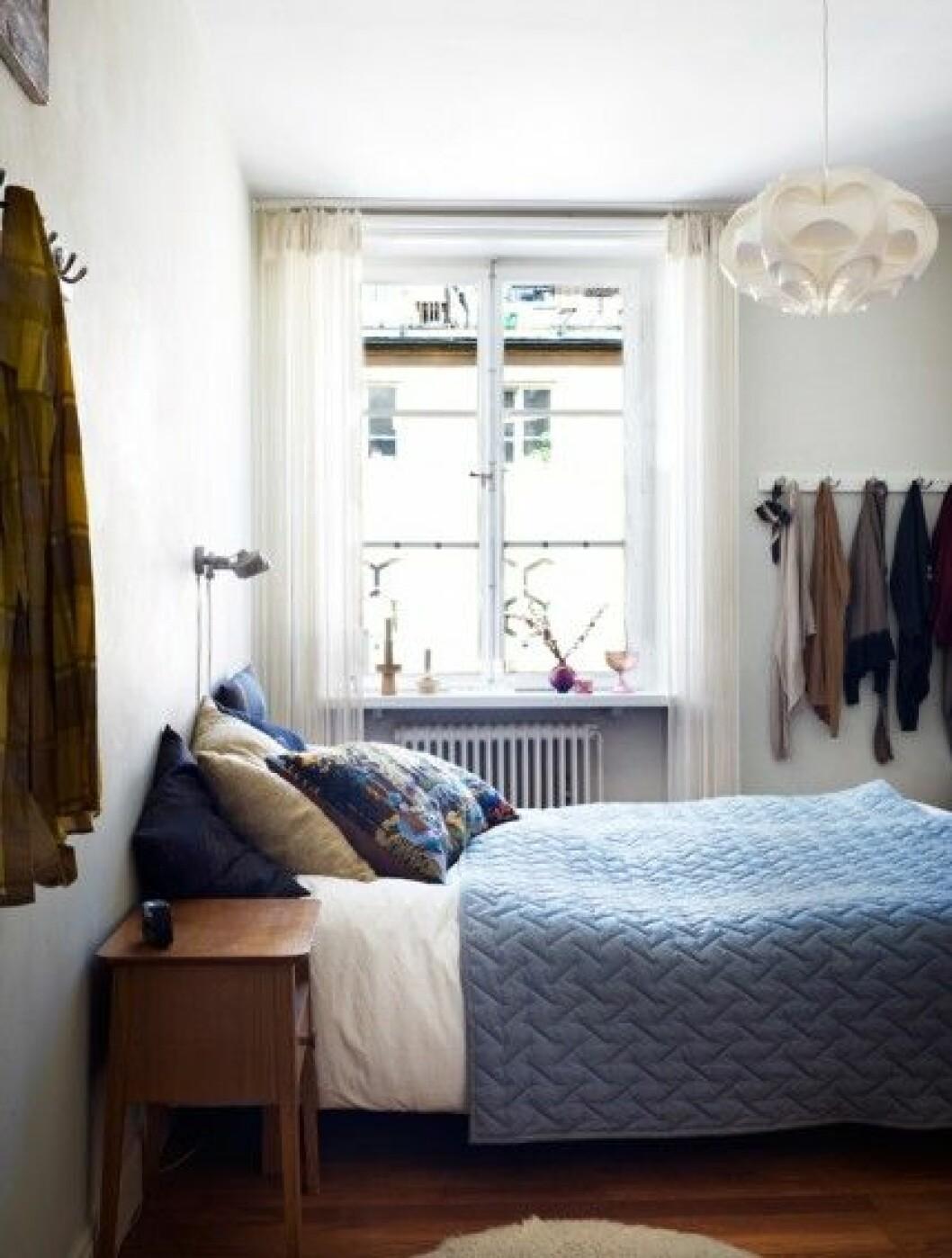 sovrum-blått-överkast-inspiration-foto-Patric-Johansson