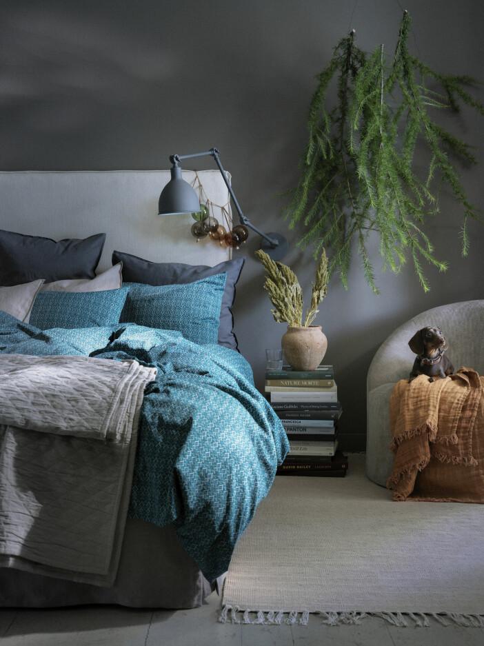 sovrum i blå toner julen 2020