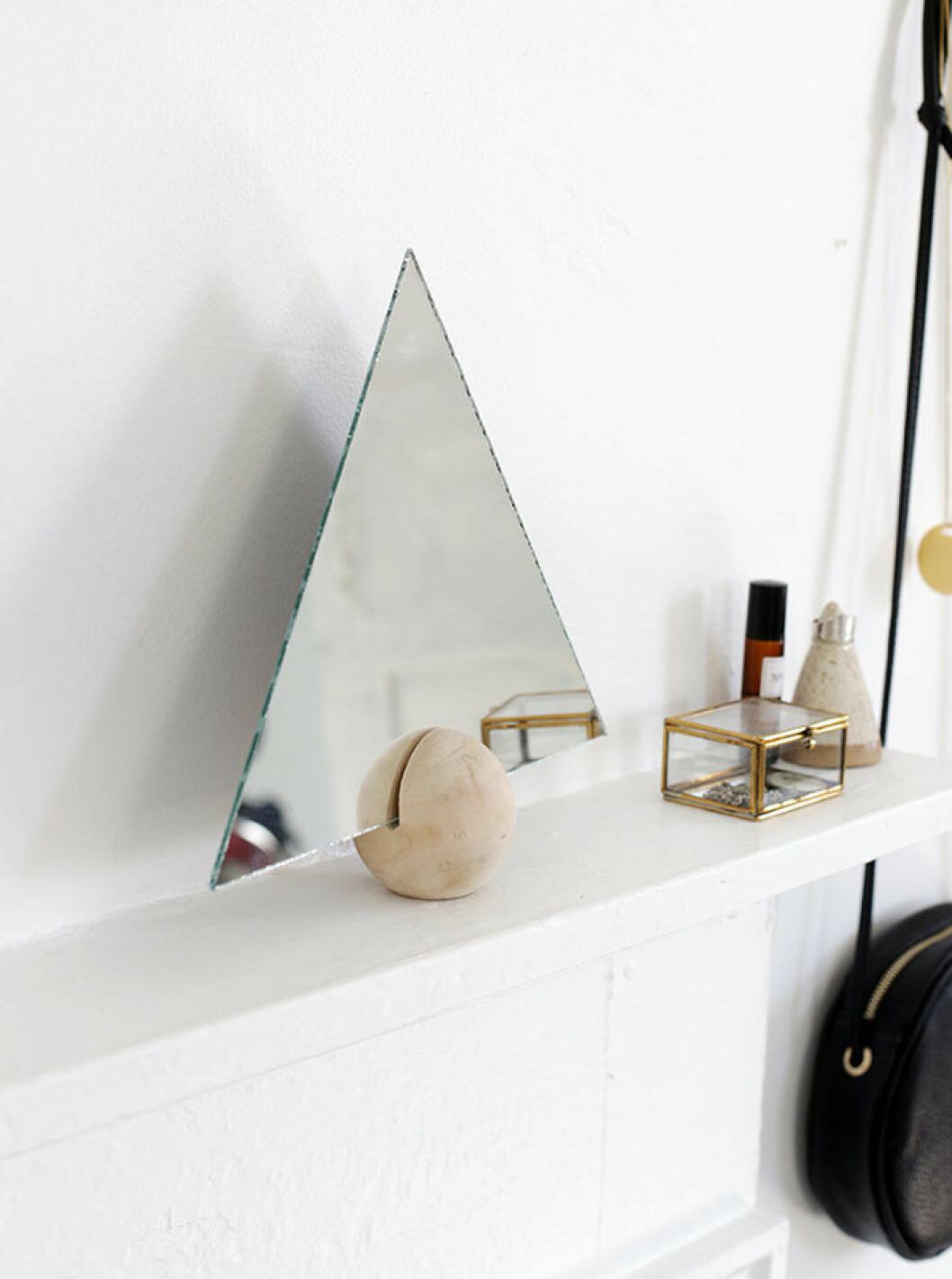 Triangelformad spegel