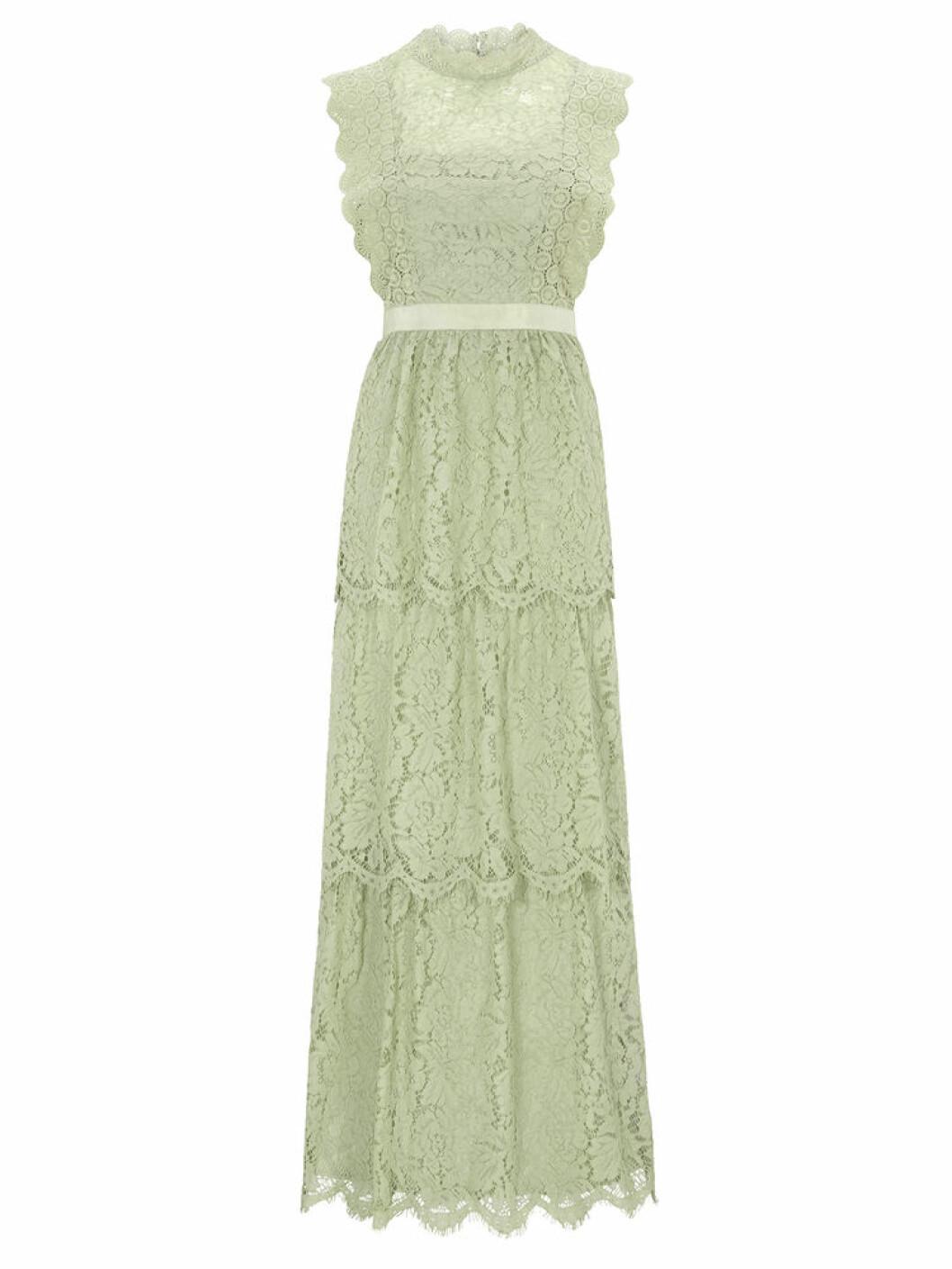 Spetsklänning i maximodell från Bubbleroom