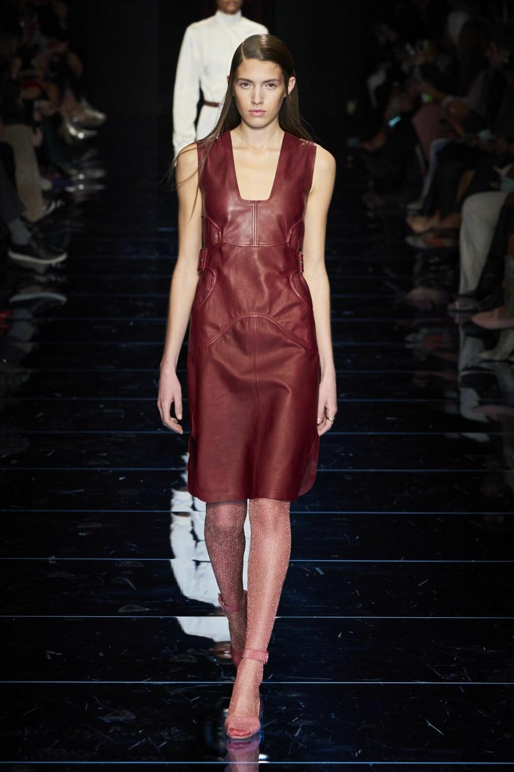 Läderklänning g Sportmax AW20 Milano Fashion Week.