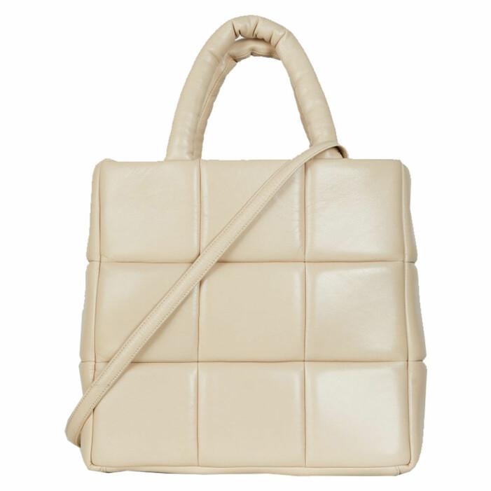 vit quiltad väska från Stand