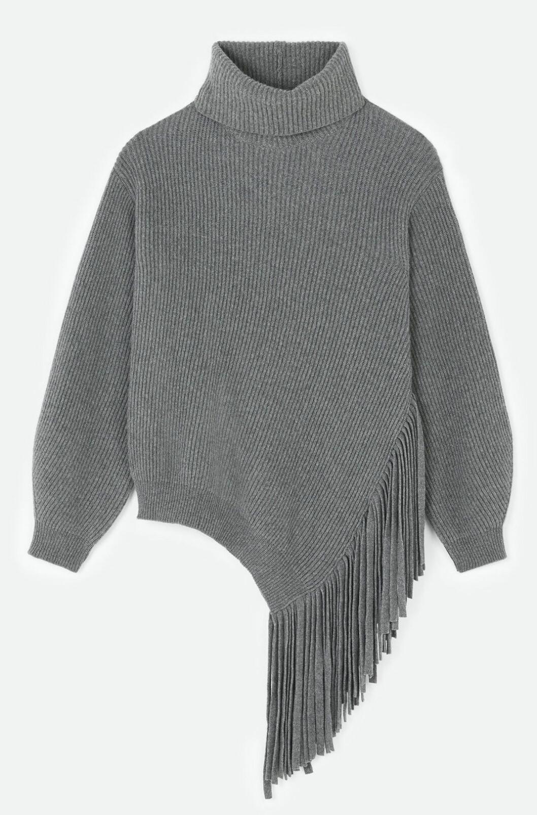 Stickad oversized tröja med fransdetalj från Stella McCartney.
