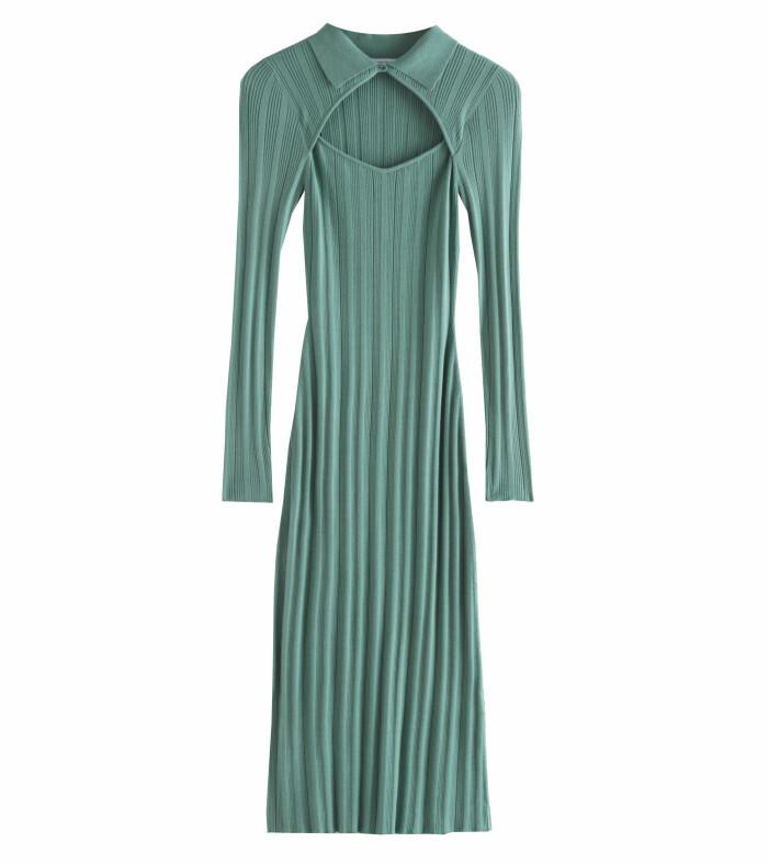 grön ribbad klänning med krage