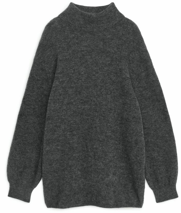 stickad grå tröja från arket