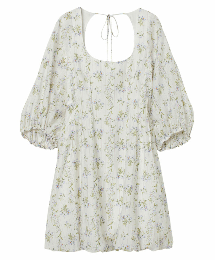 kort blommig klänning hm