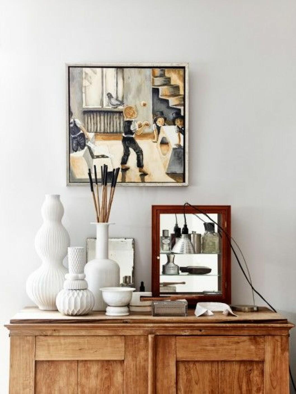 stilleben-konst-vita-vaser-skåp foto andrea papini