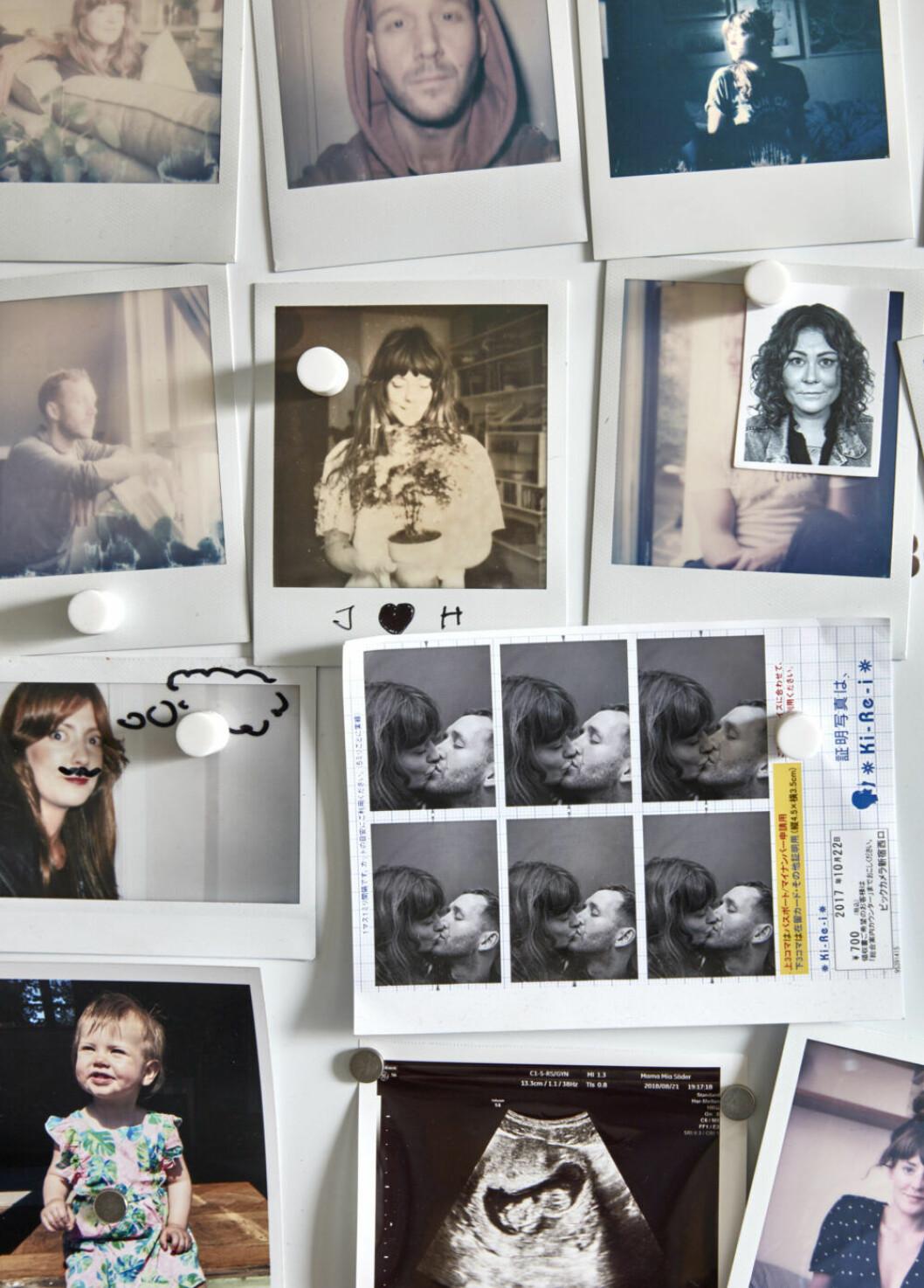 Familjebilder på kylskåpet
