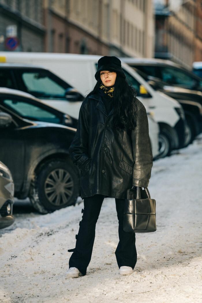 streetstyle stockholm fashion week 2021 svart look