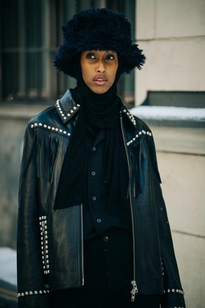 streetstyle stockholm fashion week 2021 mössa