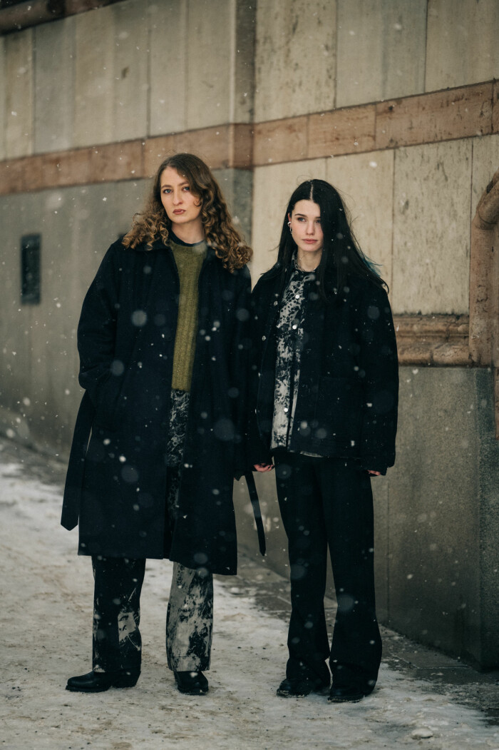 streetstyle stockholm fashion week 2021 tjejduo