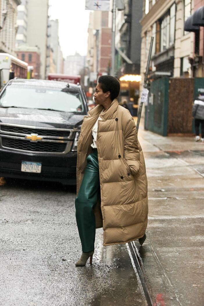 Streetstyleinspiration från New York, vadlång dunjacka.