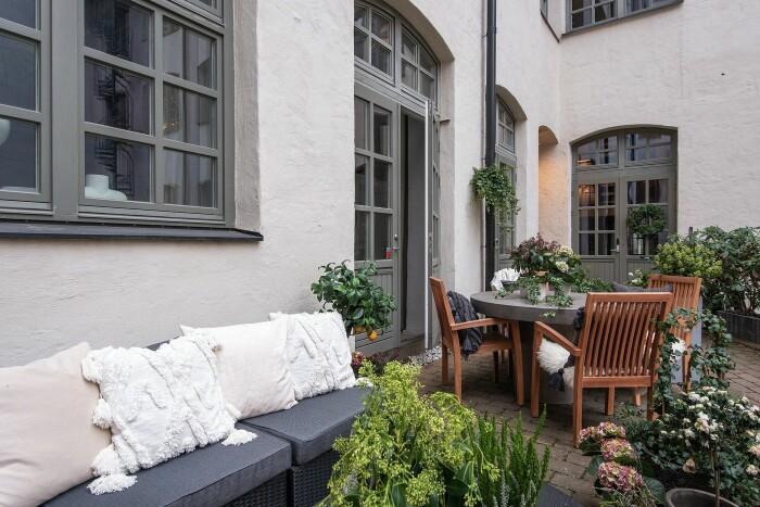 stylad innergård – en trend på Hemnet