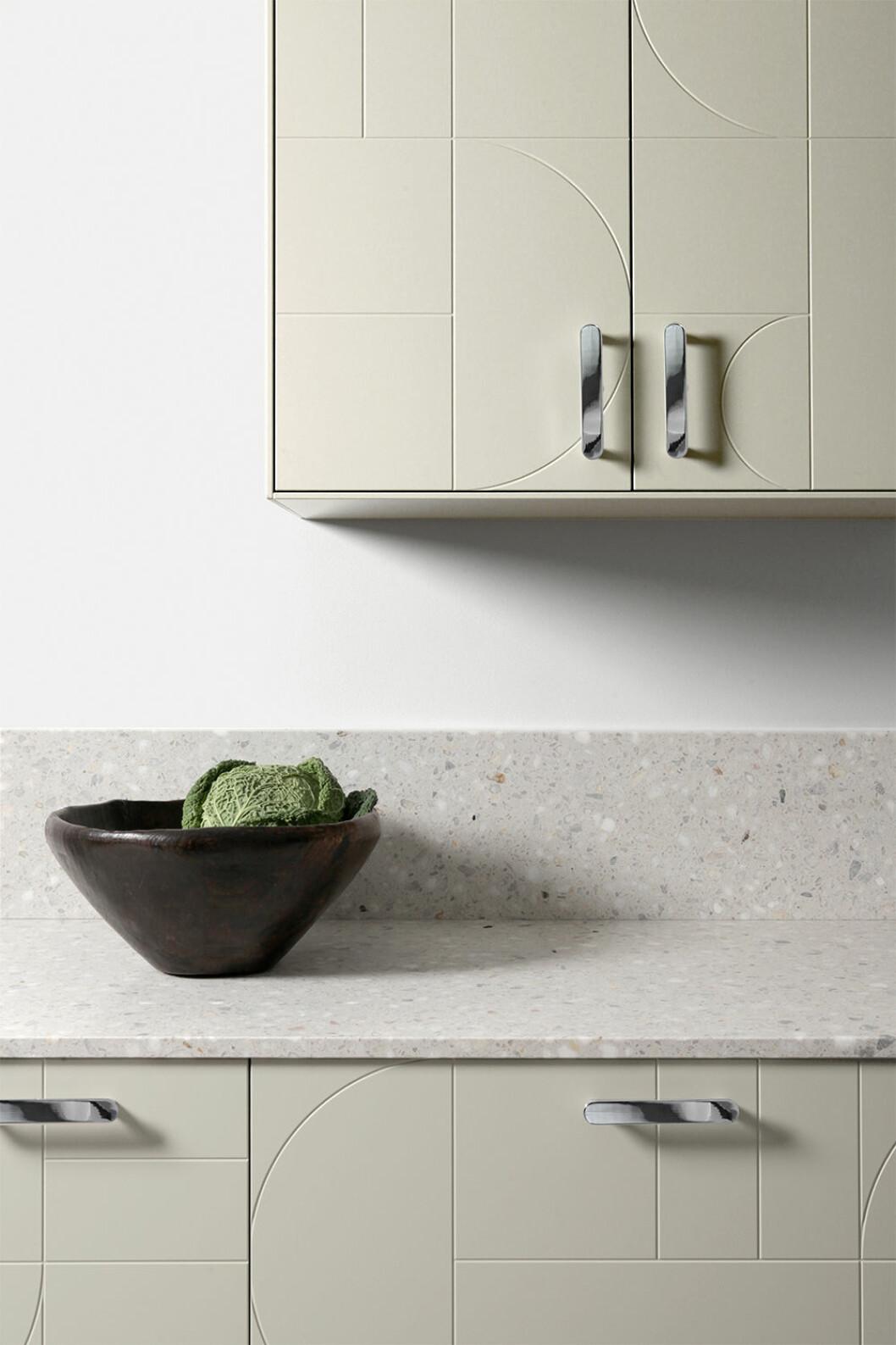 Ikea-kök med Superfronts nya färg Desert Sand